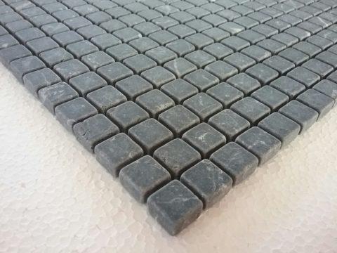 Particolare mosaico di marmo Nero Marquina